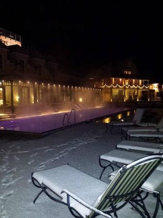 Außenpool im Winter - Bild von BollAnts - Spa im Park, Bad ...