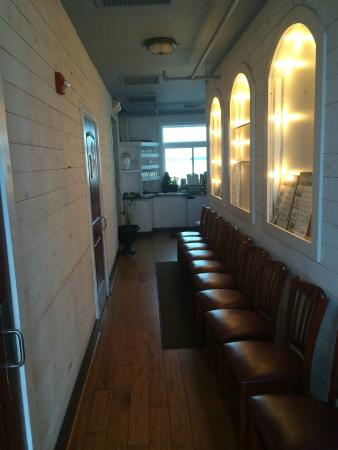 The Ruddy Duck Seafood & Alehouse: Entrance to the restaurant