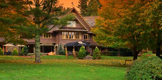 Timberlake's Restaurant at Chetola Resort: Timberlake's Restaurant in Fall