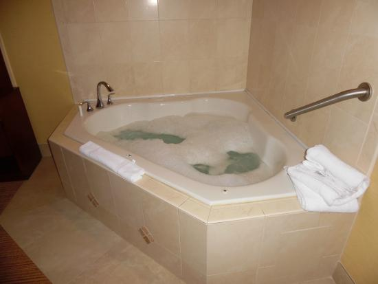 Courtyard by Marriott Jacksonville Orange Park: Jacuzzi