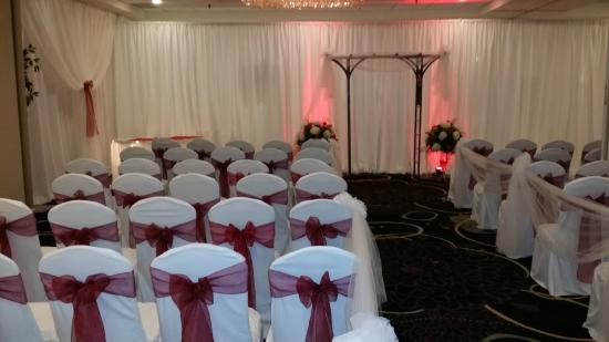 Holiday Inn Wilkes Barre East Mountain: Wedding Ceremony