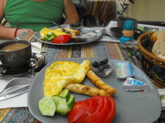 Camel Pension & Apartments: Good Value breakfast at Camel Pensions