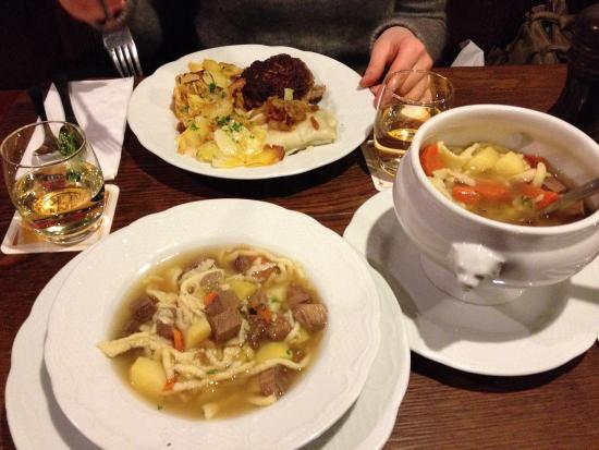 Weinstube Zur Kiste: All in local!
