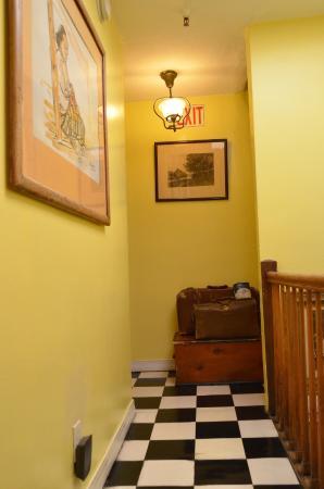 Incentra Village Hotel : corridor