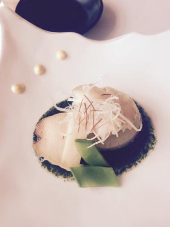 Shiki Japanese Restaurant: Braised abalone and white radish with vinegared seaweed sauce