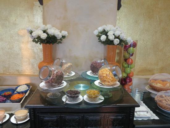 Sheik Istana Hotel: Ontbijtbuffet