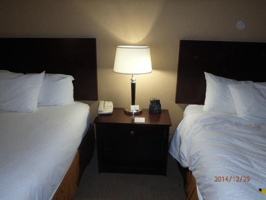 DoubleTree by Hilton Hotel Pittsburgh Airport : BOTH BEDS