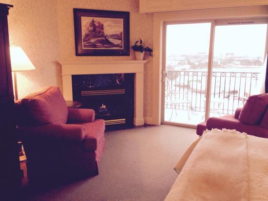 Fairhaven Village Inn: Sitting area rm 303