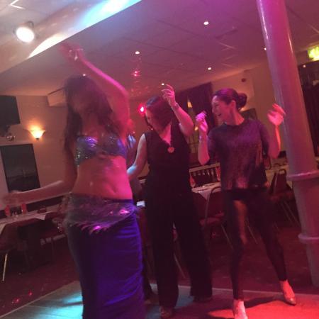 Christakis Greek Taverna : Belly dancing