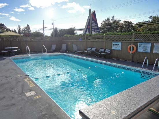 Port Augusta Inn and Suites: OUTDOOR POOL