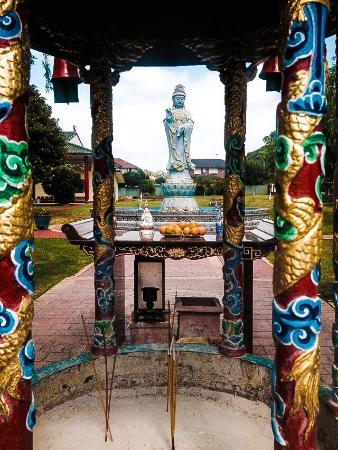 new fairfield buddhist personals Travel info, sports, demographic data, and general statistics about the city of new fairfield, ct.