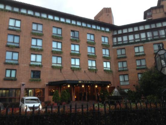 Hotel Estelar La Fontana: Exterior del hotel