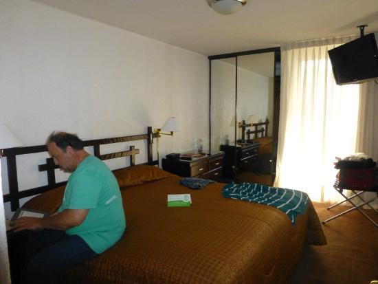 El Condado Miraflores Hotel & Suites: Dormitorio