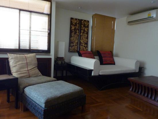 Frangipani Serviced Residences: Living room