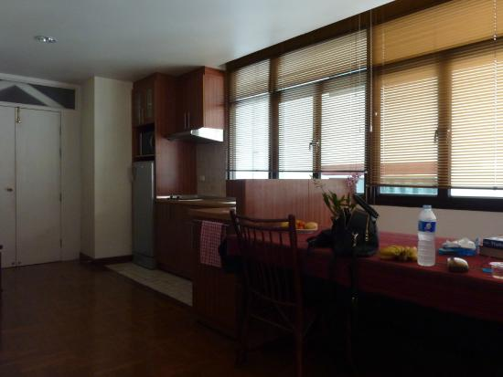 Frangipani Serviced Residences: Accessible apartment kitchen/dining