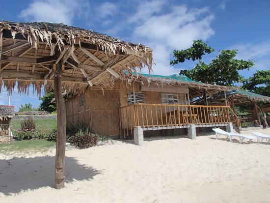 Calatagan, Filipinler: Our Nipa Hut for 2 nights.