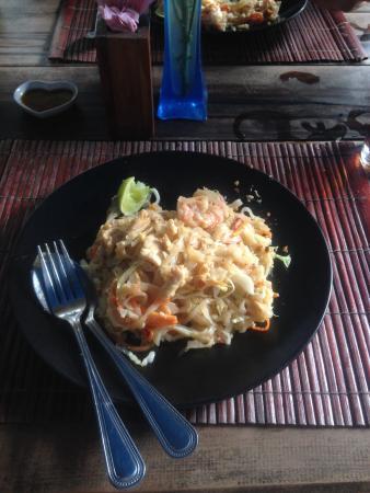 Pad-Thai Restaurant: Amazing food and friendliest staff
