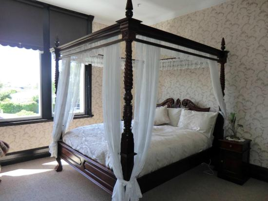 Safari Lodge: #Elephant