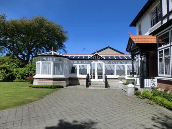 Safari Lodge: Conservatory