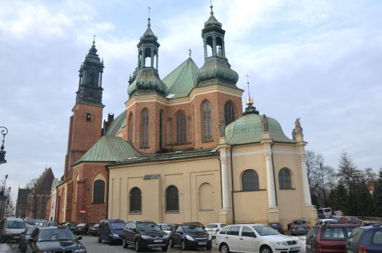 Cathedral Island (Ostrow Tumski): Ostrów Tumski w Poznaniu - widok katedry od strony wschodniej