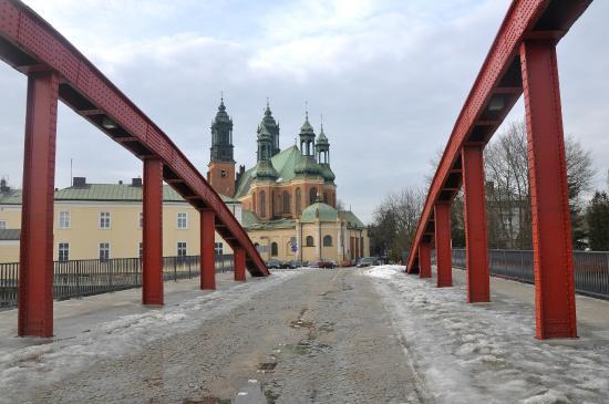 Cathedral Island (Ostrow Tumski): Ostrów Tumski w Poznaniu , most Jordana i widok na katedrę