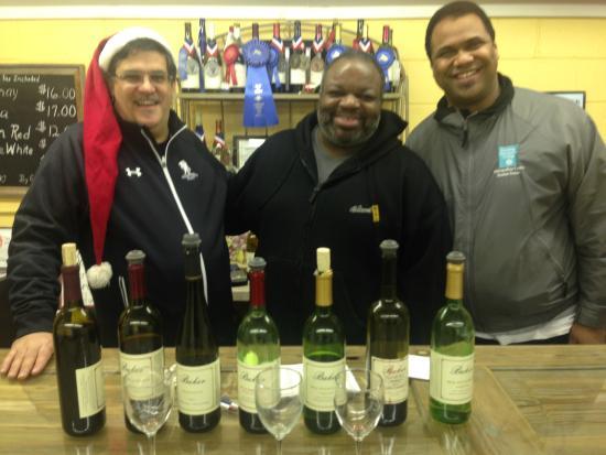The Inn of the Patriots B & B: Chef Marti, Rob & Antwain visiting Baker Buffalo Creek Vineyard