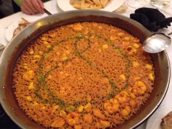 RACO DEL TURIA: Paella valenciana