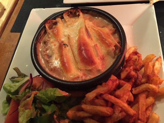 Brasserie le National: Filet de poulet savoyard et frites maison