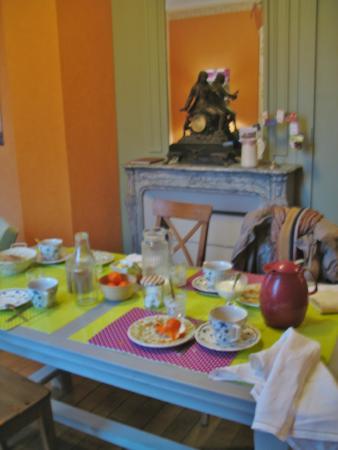 Eparcy, Francia: Salon d'hôtes