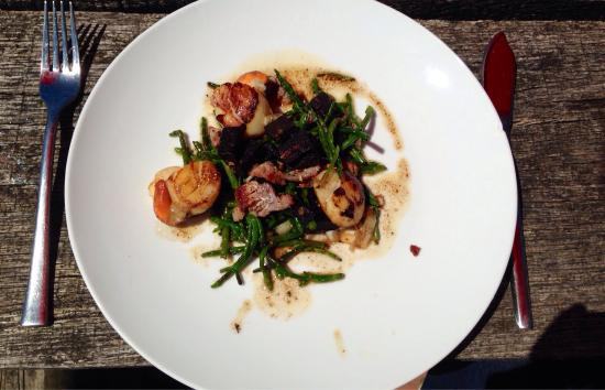 The Horse and Groom: Scallops with black pudding, bacon and samphire. Presentation doesn't look great but taste was a