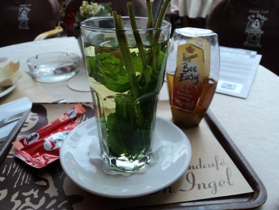 Grand Cafe' D'n Ingel: thé à la menthe fraîche