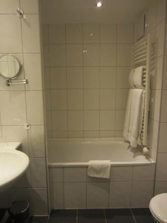 BEST WESTERN Premier IB Hotel Friedberger Warte: Room 303 - Bathroom