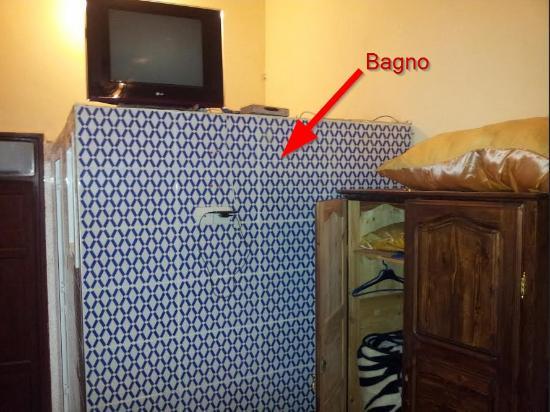 box bagno dentro stanza - Picture of Riad Baba, Fes - TripAdvisor