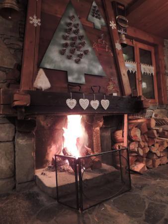 Le Chalet Venay : un beau feu de foyer pour nous réchauffer