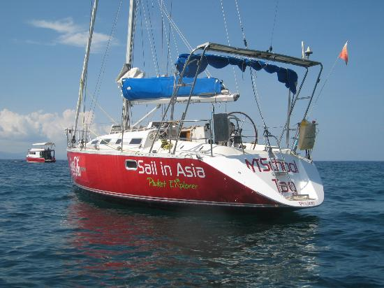 Sail In Asia: Sail in paradise.
