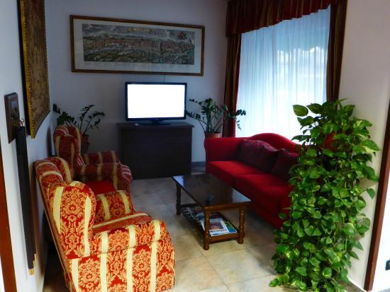 Hotel Antico Acquedotto: HOTEL'S LOBBY