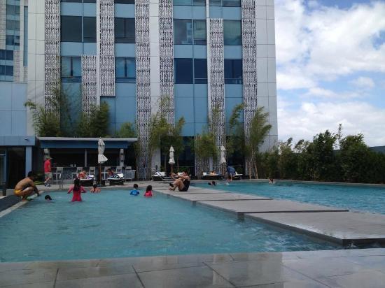 Pool Picture Of Crimson Hotel Filinvest City Manila Muntinlupa Tripadvisor