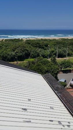 Protea Hotel Karridene Beach: Railway track
