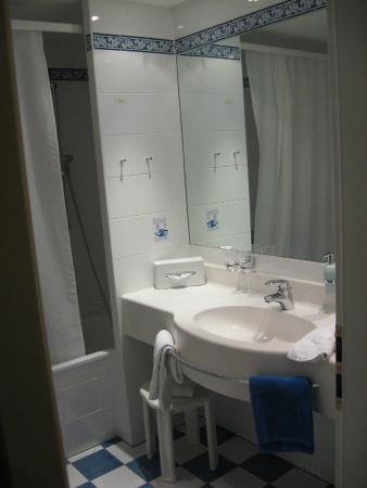 Romantik Hotel Tuchmacher: Bathroom of room 605