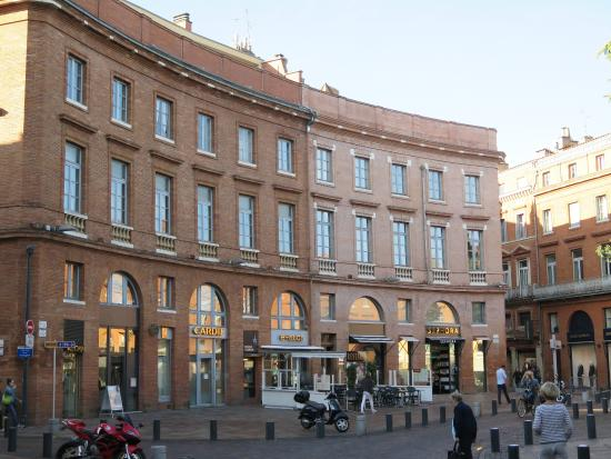 Pra a wilson ao lado do hotel picture of mercure for Hotels toulouse centre