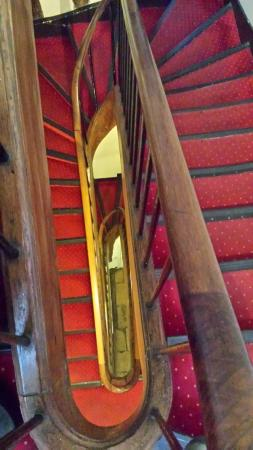 Hotel St. Andre des Arts: Staircase