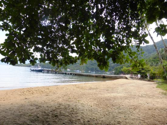 Pousada Recanto dos Passaros : Vista do deque e da praia