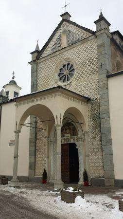Teglio, Italy: La facciata.