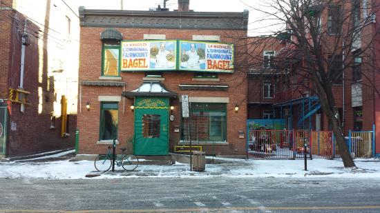 Fairmount Bagel : Delicious storefront!