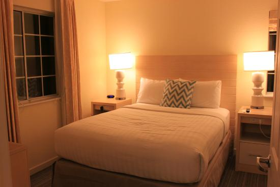 Sonesta ES Suites Malvern : One of the bedrooms