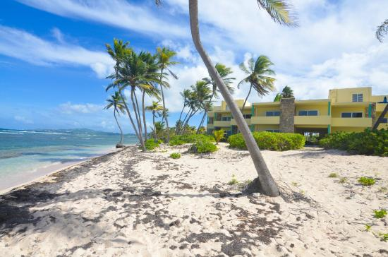 The Palms at Pelican Cove: Guest Building