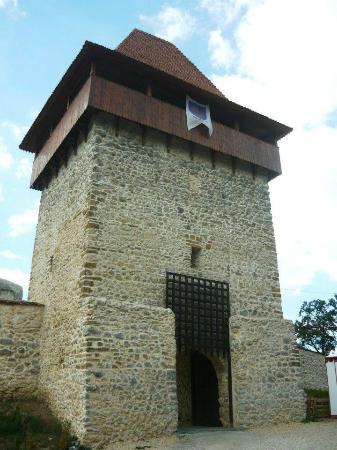 3 Castle Tour: Bran, Rasnov, Peles - by The Transylvanian: Gatehouse at the Rasnov Citadel