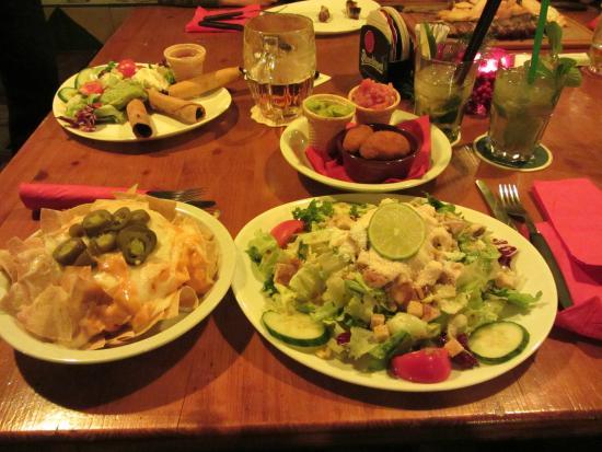 Estanzia Santa Cruz: Salat und Tapas