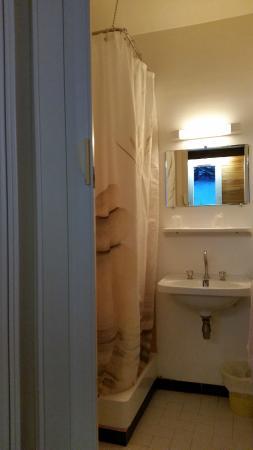 Hôtel Restaurant Le Toukal: Salle de bain