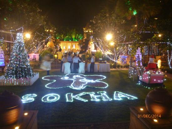 sokha angkor resort christmas decorations at pool area